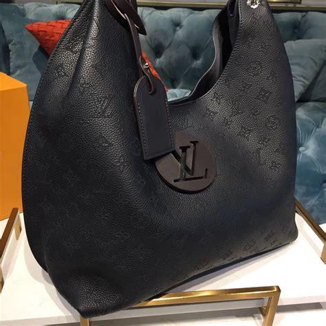 louis vuitton carmel mahina noir aaa handbag