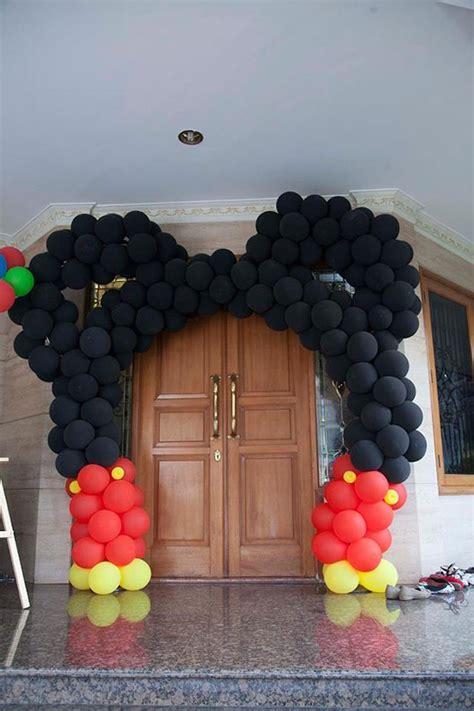 karas party ideas mickey mouse balloon archway