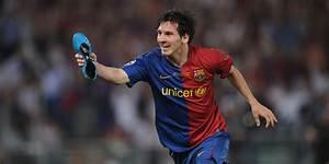En offrant ses chaussures, Messi fait scandale en Egypte