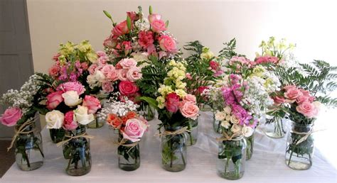 country flower arrangements    mason jar