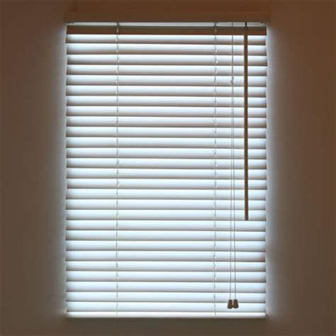 bright blinds add  fake window   dungeon
