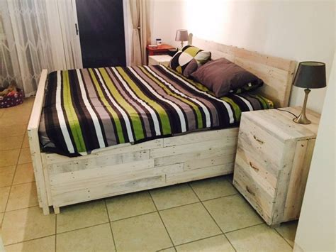 Pallet Bed With Large Side Tables Diy Car Computer Mount Good Valentine S Day Gifts Gas Hot Water Heater Replacement Pvc Pipe Sugar Glider Cage Wedding Shower Favors Ideas Custom Beer Mugs Ring Bearer Pillow Instructions Boat Lift Motor