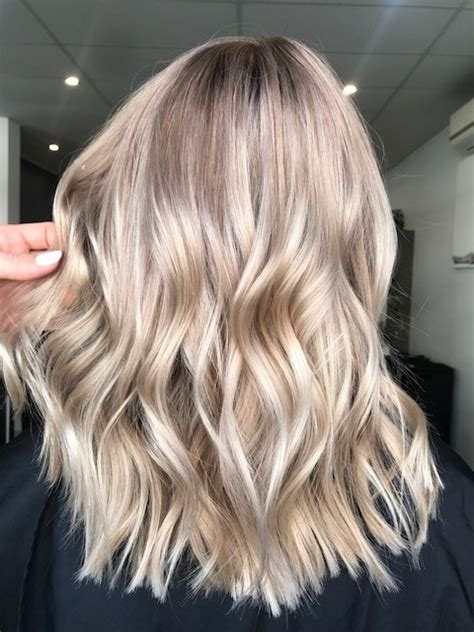 champagne bronde blends summer  fall hair color
