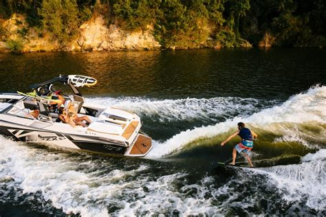 Wake Boat For Surfing by How To Wakesurf Boats