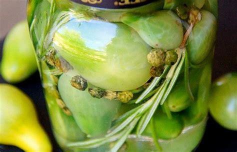 cuisiner les tomates vertes pickles de tomates cerises vertes condiment au vinaigre recette dukan pl par spicy recettes