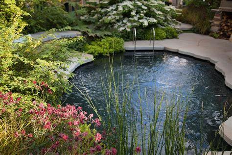 Schwimmteiche Für Kleine Gärten by Kleine Schwimmteiche Und Pools Im Garten Bl 252 Tenrausch