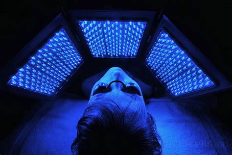 blue light treatment lightwave led blue light therapy for acne reduction