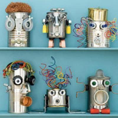 fuer eine kreative idee kleine roboter aus alten dosen