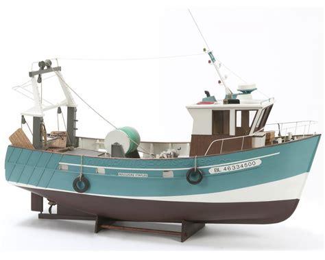 Fishing Boat Model by Billing Boats B534 Boulogne Etaples Fishing Cutter