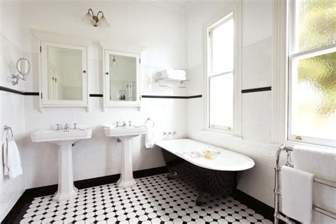 Art Deco-inspired Bathroom Design