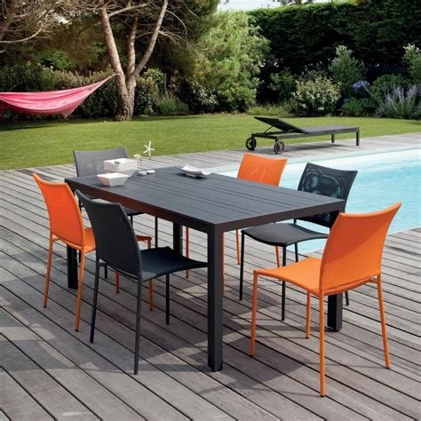 table et chaise de salon salon de jardin globe table aluminium 6 chaises gris orange plantes et jardins