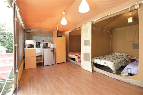 chambre 4 personnes bungalow toilé caraïbes 2 chambres 4 personnes 20m
