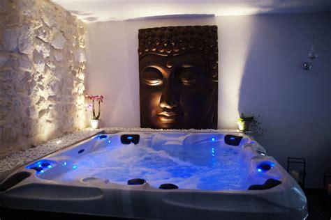 chambre spa location chambre romantique à bourg st andéol pour deux