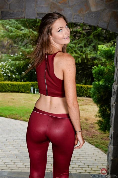 Shyla Ryder In Sexy Tight Pants