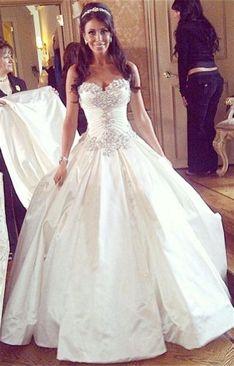 gorgeous sweetheart crystal princess wedding dress