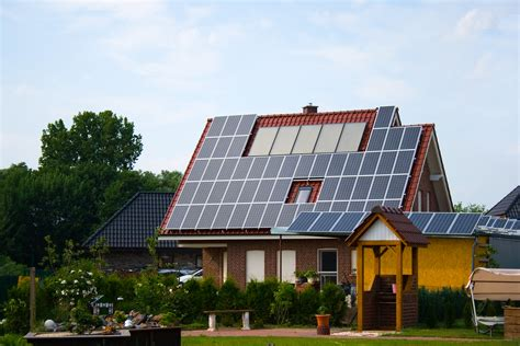 solar panels on houses home solar power systems offer great returns when analyzed