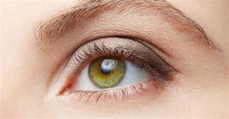 Quelles couleurs de fards à paupières pour les yeux bleus ? . shōko