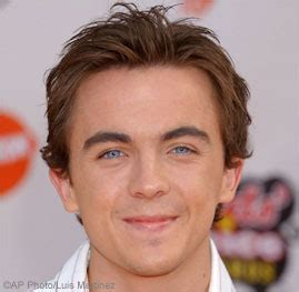 frankie muniz income frankie muniz forbes top celebrities