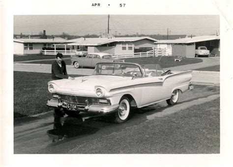 Vintage Convertible Cars by 35 Vintage Snapshots Of Posing With Their Classic