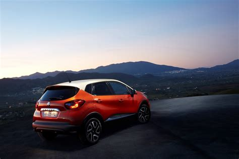renault captur interior at night renault captur crossover photos revealed autotribute
