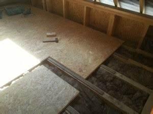 poser des dalles de plancher sur un solivage en bois With pose parquet sur plancher bois