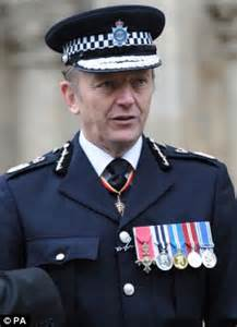 tom payne salary police chief blames cuts for diy detection daily mail