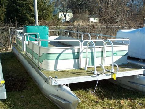 Old Boat Lights For Sale by Fix Up An Old Pontoon Boat Poontoons Pinterest Boats