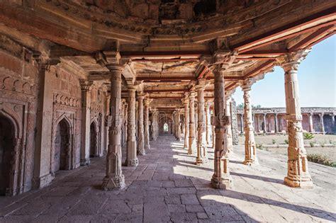 mandu india afghan ruins  islam kingdom mosque