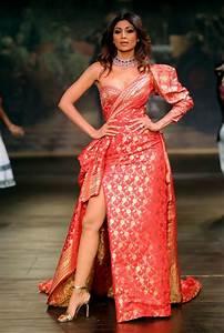 Shilpa Turns Muse For Designer Monisha Jaising At ICW 2017 ...