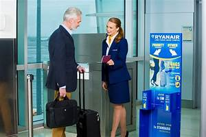Ryanair Delays New Cabin Bag Policy Until January 2018 ...