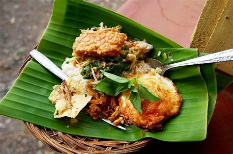 Lihat ide lainnya tentang poster makanan, poster, makanan. KEANEKA RAGAMAN INDONESIA: Makanan Khas Yogyakarta ...