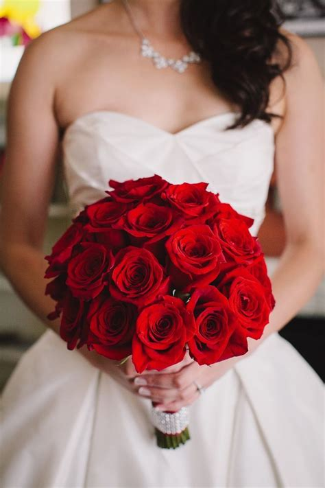 Luxurious Wedding Ideas With Glamour Wedding Bouquets