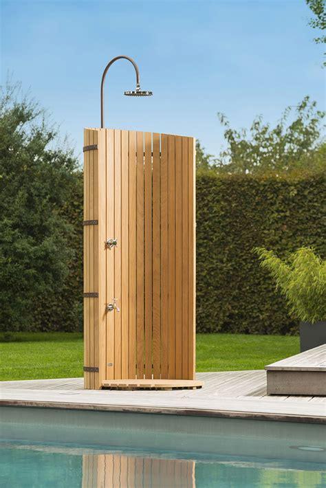 doccia in giardino 25 modelli di docce per esterno dal design particolare