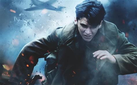 Fionn Whitehead In Dunkirk 2017 Wallpapers