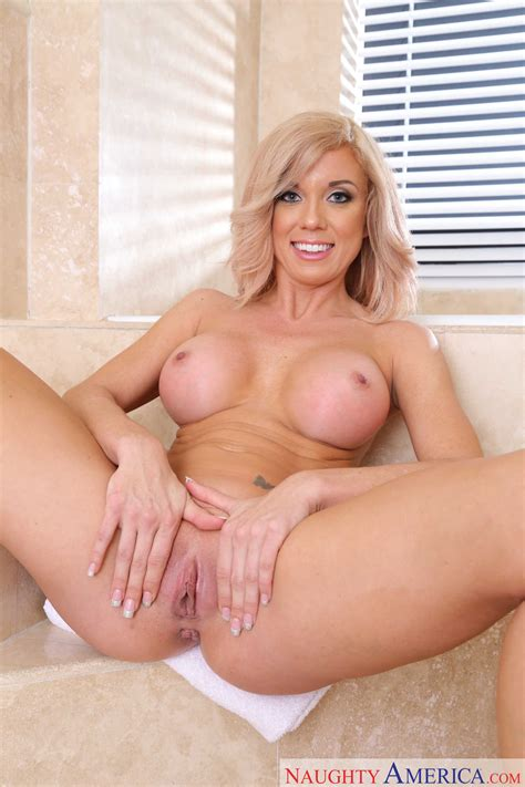 Beautiful Blonde Is Offering Her Perfect Pussy Photos