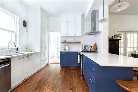 ways  revamp  kitchen cabinets   budget dwell