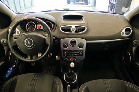 clio 3 rs interieur renault clio 3 rs 2 0 197cv phase 1 ac111