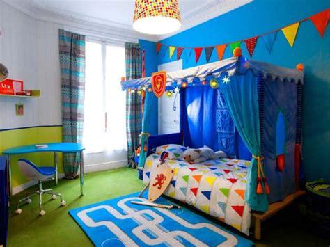 couleur chambre enfants une chambre d 39 enfant retrouve couleurs et rangements