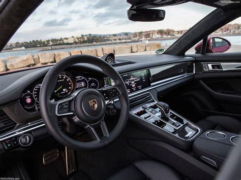 The 2018 porsche panamera gets two big additions: Porsche Panamera Turbo S E-Hybrid Sport Turismo (2018) - picture 144 of 195