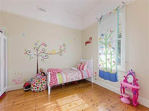 Kinderzimmer Fenster Dekorieren Weihnachten by 40 Ideen F 252 R Sch 246 Ne Kinderzimmer Fensterdeko Archzine Net