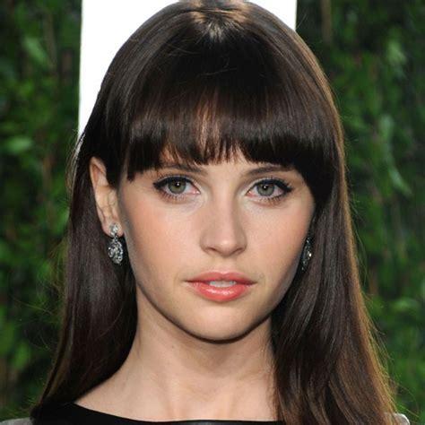 Classify an English actress Felicity Jones