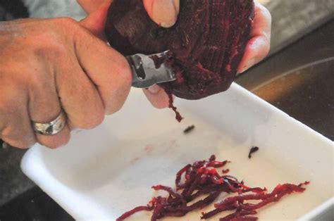 cuisiner le loup de mer carpaccio de loup de mer aux framboises