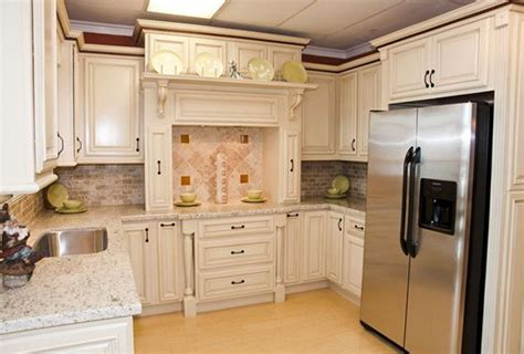 cream glazed kitchen cabinets antique white kitchen cabinets with glaze home design ideas