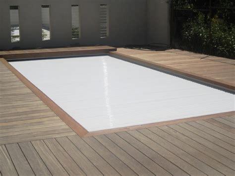 rideau de piscine electrique un concepteur de piscines votre service with rideau de piscine
