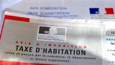 info franceinfo emmanuel macron donne feu vert 224 l exon 233 ration de la taxe d habitation pour