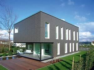 Graue Fassade Weiße Fenster : dunkle fassade weisse fenster haustr ume au en pinterest fassaden dunkel und fenster ~ Markanthonyermac.com Haus und Dekorationen
