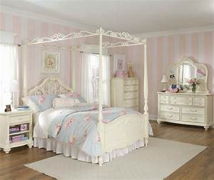 How to choose girls bedroom sets for a princess ward log for Girl bedroom set