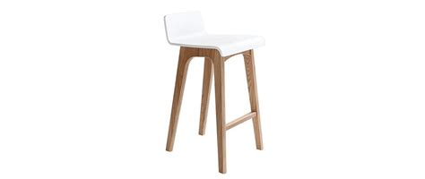 chaise de bar 65 cm chaise de bar en bois 65 cm scandinave baltik miliboo