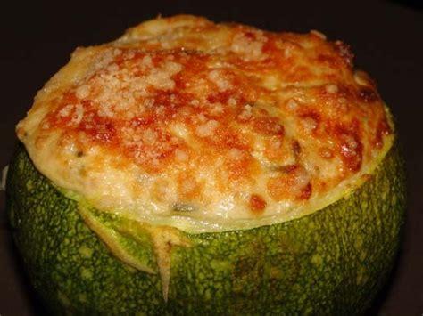 cuisiner une grosse courgette courgette farcie au thon et a la moutarde aurélie cuisine