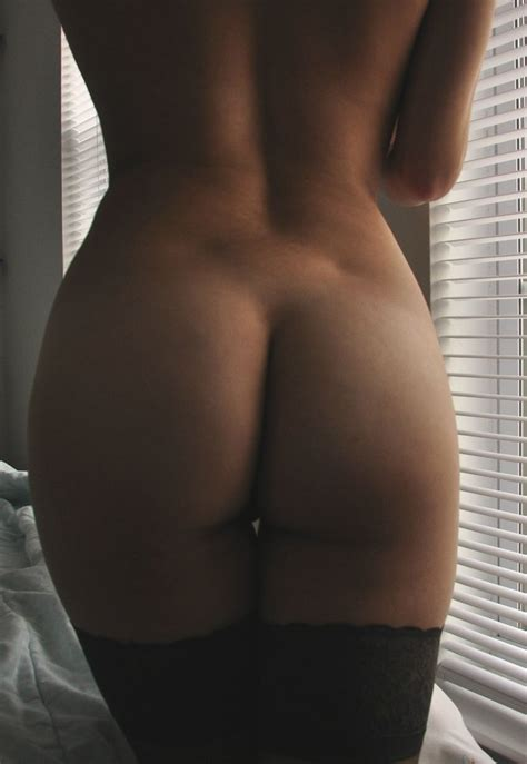 Zoo Australia Weekly Top Hot Naked Girls Zoo Weekly Bans Barely Naked Selfies
